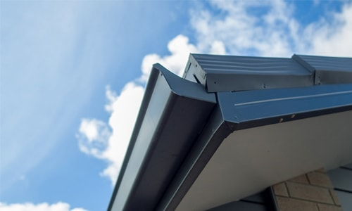 choosing home spouting gutters